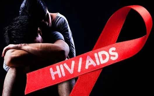 घट रही एचआइवी संक्रमितों की संख्या