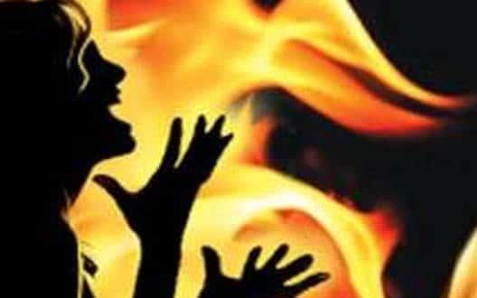 4-महिला की झुलसने से मौत