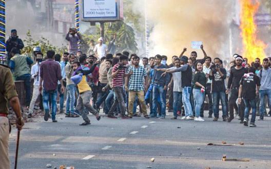आखिर क्यों नागरिकता संशोधन विधेयक के चलते उबल रहा है असम?