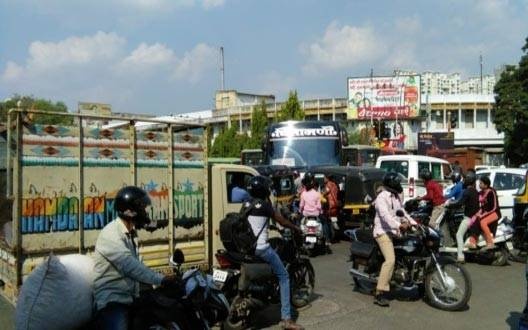 There was chaos in the intersections - vehicles increased, signal closed