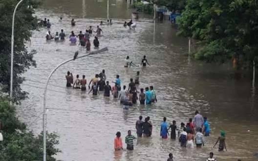 """""""दिव्या"""" ने की बाढ़ पीड़ितों की मदद"""