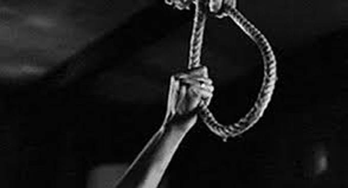 Migrant laborer commits suicide by hanging