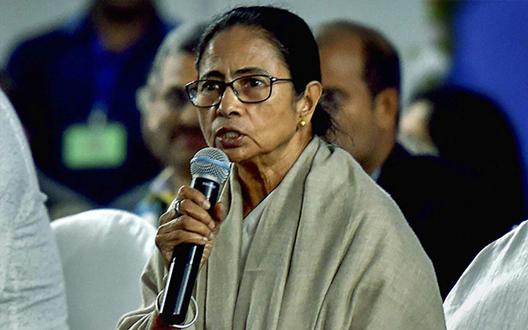 """CAA: कांग्रेस और माकपा ने TMC को किया भाजपाकी """"B"""" टीम करार"""