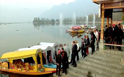 17 देशों के राजनयिकों का दल कश्मीर केदो दिवसीयदौरा पर