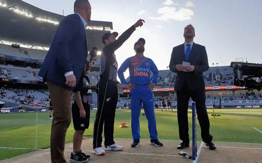 Ind VS NZ T20 : न्यूजीलैंड ने टॉस जीतकर गेंदबाजी का फैसला लिया