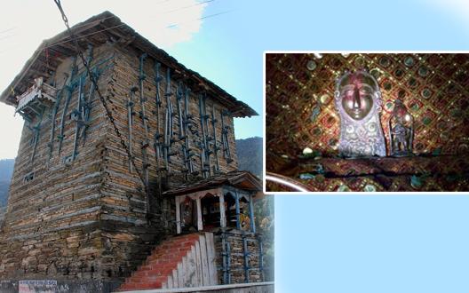 इस मंदिर में होता है अद्भुत चमत्कार, भक्तों को साक्षात दर्शन देते हैं शनिदेव