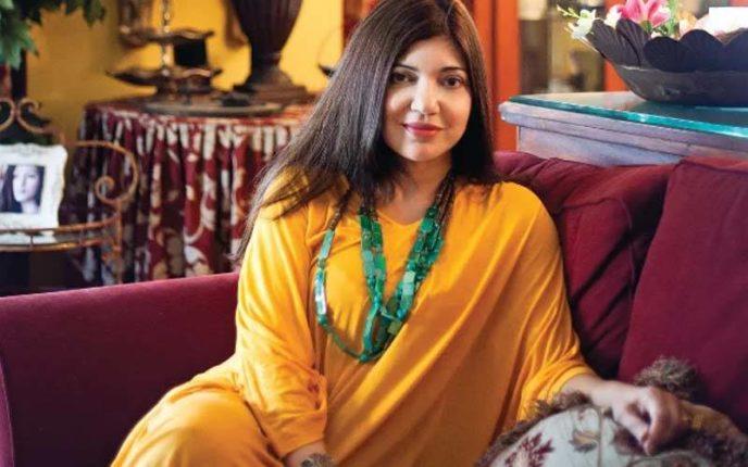 बॉलीवुड सिंगर अल्कायाग्निक मना रही अपना 54वां जन्मदिन