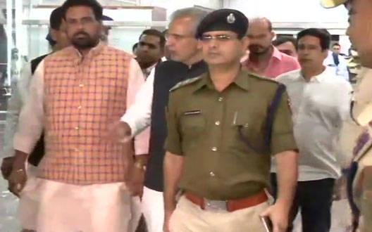 राज्यसभा चुनाव: गुजरात कांग्रेस के चार विधायकों का इस्तीफ़ा