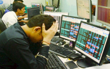 ensex falls by more than 1,000 points, Nifty also breaks