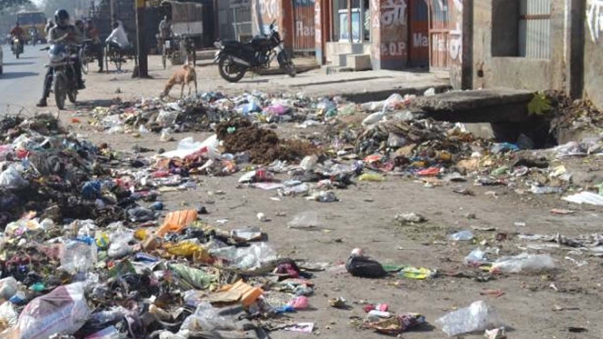 There is no cleaning of the dirt in the Ujjalnagar drain, there will be trouble in the rain