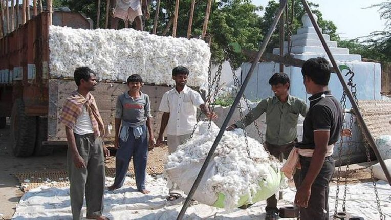 Officials refuse to weigh cotton - start buying on BJP workers aggression