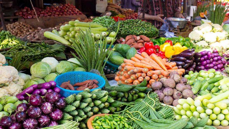 Vegetable prices raged, market started, but inward decline