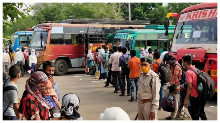 365 students of Kashmir will return home from Bhopal in 18 buses