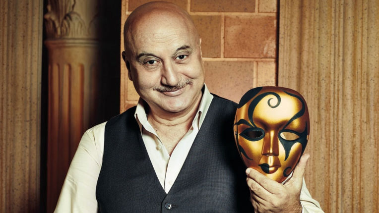 Anupam Kher: A man who teaches people to laugh and live in the difficult conditions of Corona!