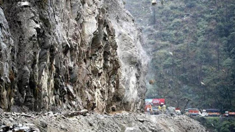 Cloudburst in Poonch district damaged many houses, vehicles were washed away in rain