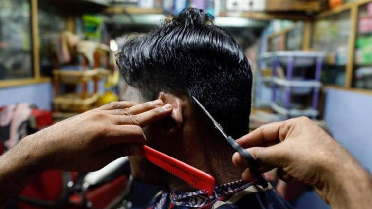 2,500 salons, 600 parlors open in district