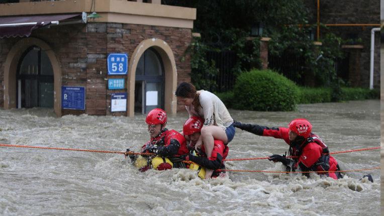 दक्षिण-पश्चिमी चीन में आई बाढ़ से 12 लोगों की मौत, 10 लापता