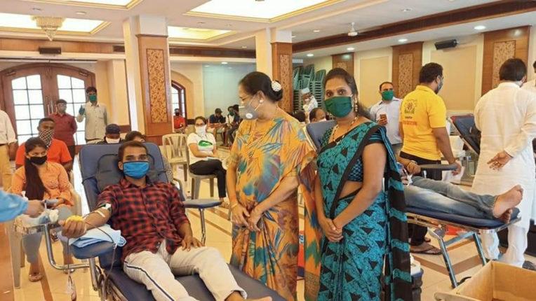 जोगेश्वरी में शिवसेना का रक्तदान शिविर, 112 यूनिट ब्लड हुआ जमा