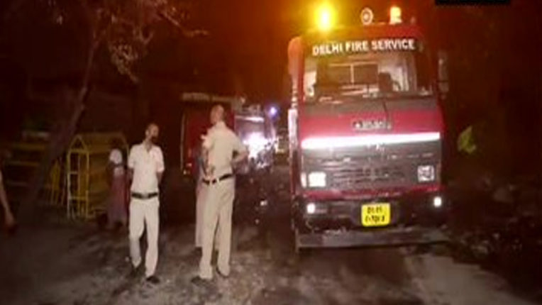 120 slums burnt due to fire in Tughlakabad area