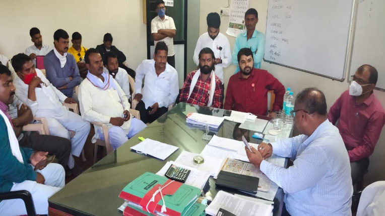 File a case against fake seed producer company, agitation in agri office