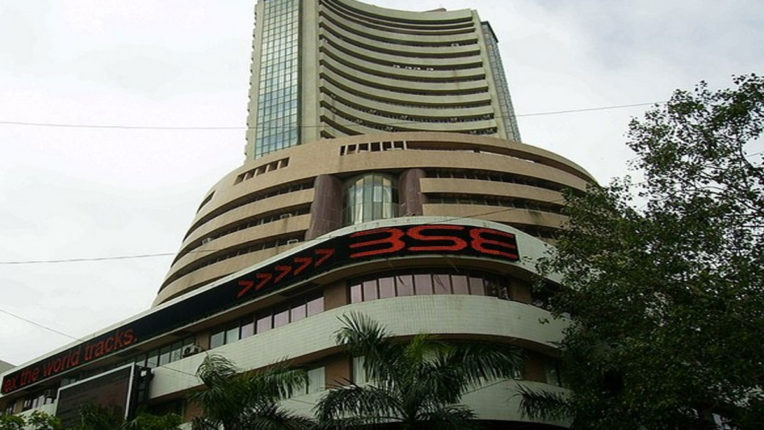 Sensex gained over 300 points in early trade, Nifty crosses 10,500