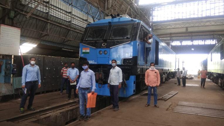 नागपुर रेलवे मंडल ने 100 किमी की गति से 12000 हॉर्स पावर का पहला मालगाड़ी चलाया