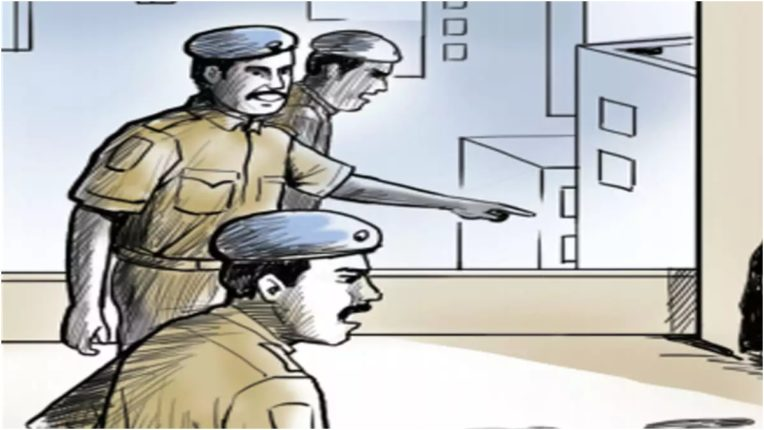 Akola police conducts operation allout, inspecting 37 settlements