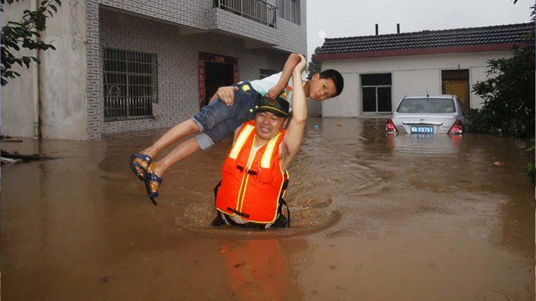चीन में बाढ़ से मौत या लापता होने वालों की संख्या 141 हुई