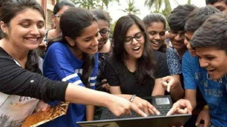 District's daughters topped, Buldhana district's examination result 92.18 percent