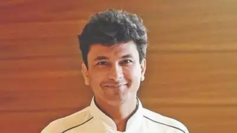 Star Chef Vikas Khanna honored for providing food to millions of people in India