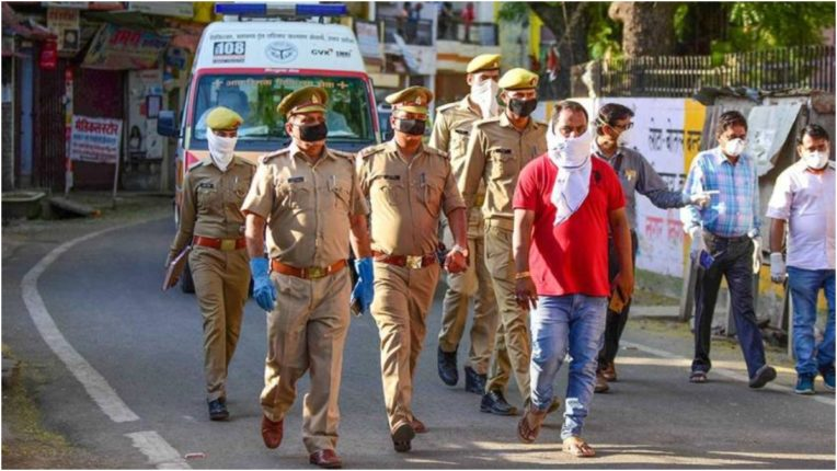 Raigad police will distribute more than 14 lakh masks on Rakshabandhan