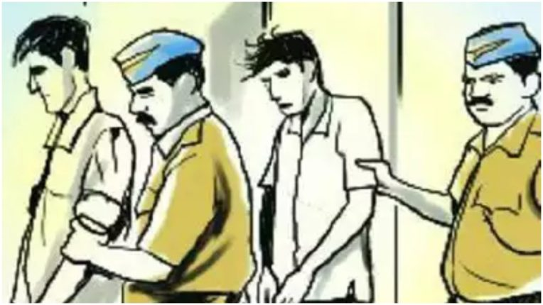 2 लुटेरे गिरफ्तार, वैगनआर कार बरामद