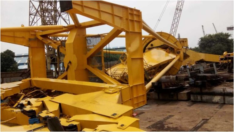 Visakhapatnam: 10 killed by falling crane at Hindustan Shipyard