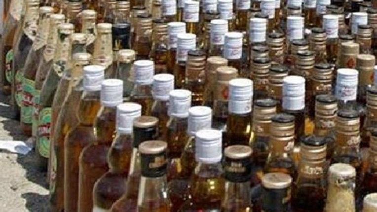 शराब विक्रेता पति पत्नी के खिलाफ मामला दर्ज