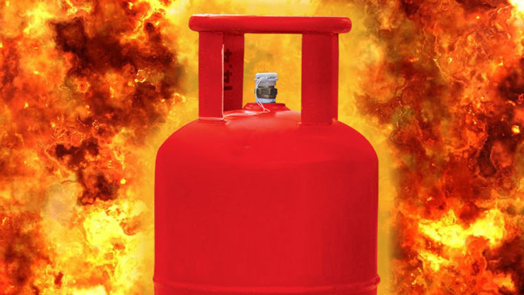 Fire in gas cylinder due to leakage