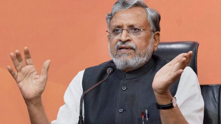 महागठबंधन का घोषणापत्र 'वचन देकर कुछ नहीं करने वाला ढपोरशंख': सुशील मोदी