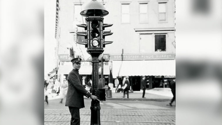 today-in-history August 5-Today's first electric traffic signal was set
