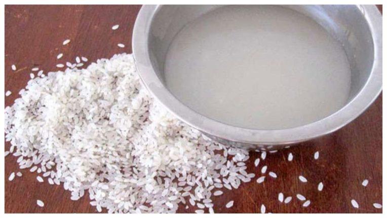 चावल के पानी का इस्तेमाल करें और पाएं निखरी त्वचा