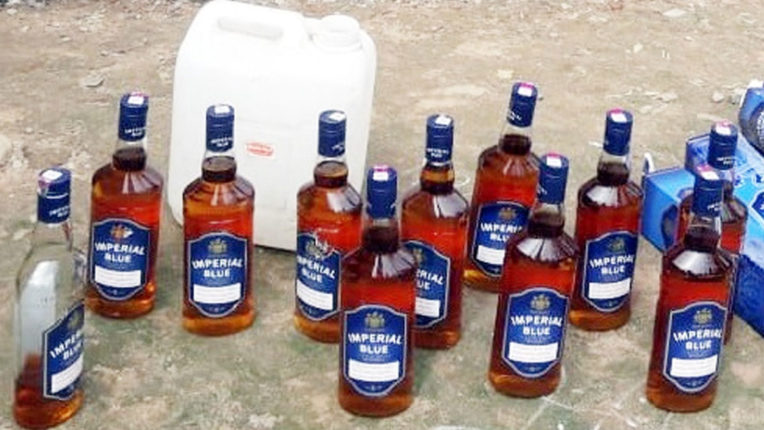 13 thousand liquor seized from woman