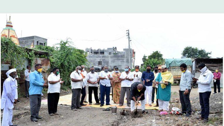 विभिन्न विकास कार्यों का भूमिपूजन, विधायक सहित कई लोग हुए शामिल