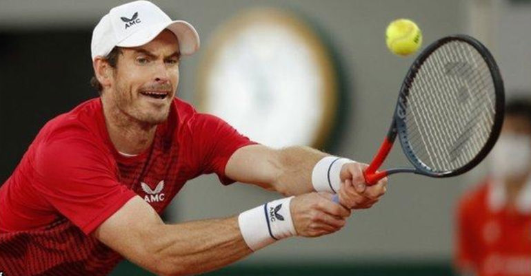 Andy-Murray-falls-emphatic-round-defeat-old-rival-Stan-Wawrinka-French-Open