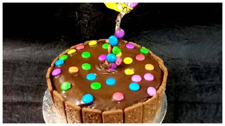 कोरोना के दौरान आने वाले बर्थडे में बनाएं इस विधि से बौरबॉन केक