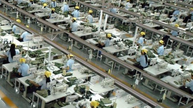 Factory production in China, increase in export activities