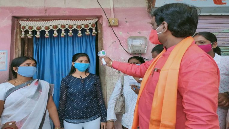 हर ग्रामीण परिवार के स्वास्थ्य पर विशेष लक्ष्य केन्द्रीत करें शिवसैनिक
