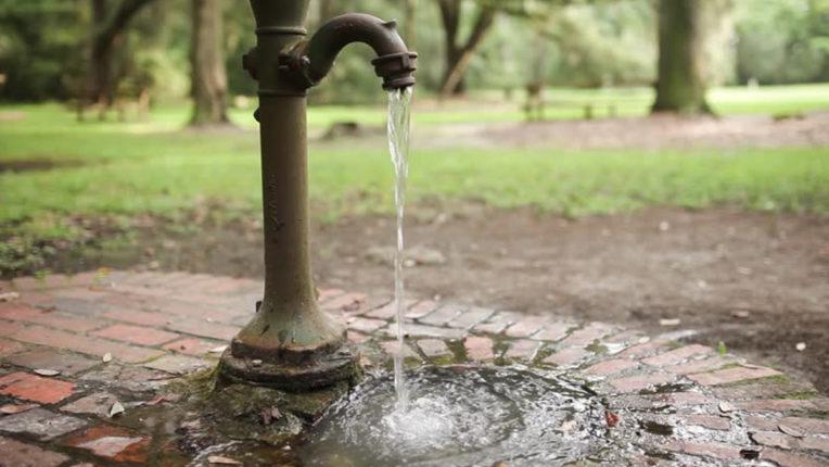 क्षारयुक्त पानी के कारण बिगड़ रहा जन स्वास्थ्य