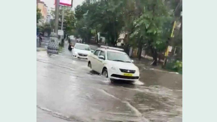 नवी मुंबई में जोरदार बारिश, कई इलाकों में जलजमाव