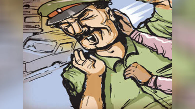 Traffic police constable beaten up by drugs, 4 accused arrested