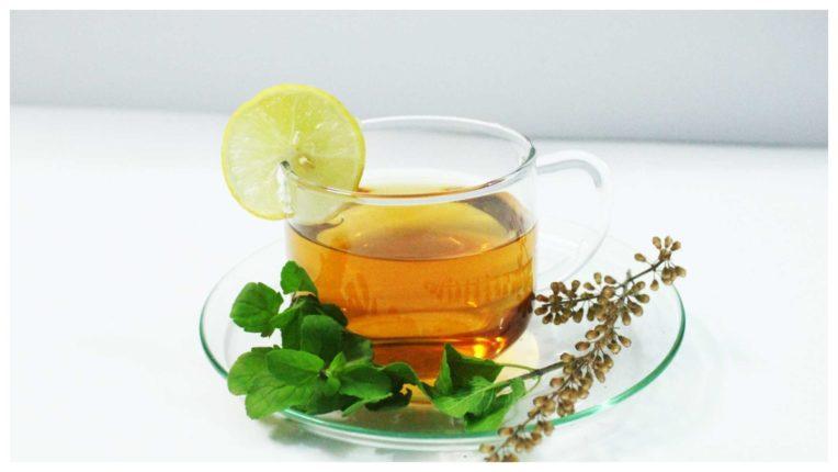 सेहत के लिए फायदेमंद है तुलसी की चाय