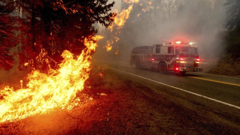 अमेरिका में जंगल में लगी आग से अब तक 35 लोगों की मौत