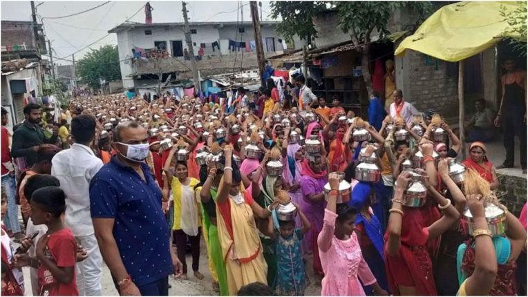 भाजपा की भीड़ भरी कलश यात्राओं के मामले में तीन प्राथमिकी दर्ज